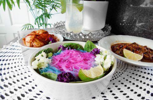 L'ultima deriva dell'Unicorn Food: noodles cangianti