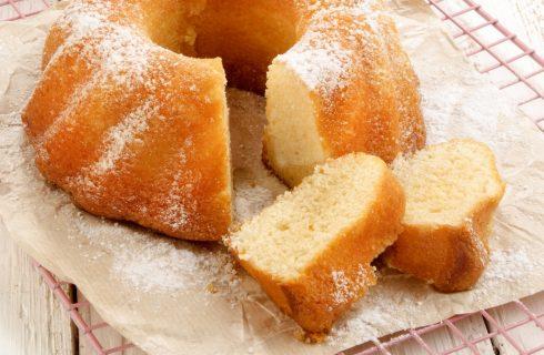La ricetta del ciambellone ripieno di crema pasticcera per la colazione