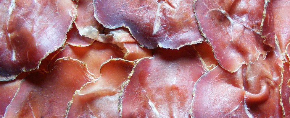 Salumi antichi: cos'è la mocetta e come si mangia