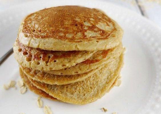 I pancake con farina di avena con la ricetta vegan