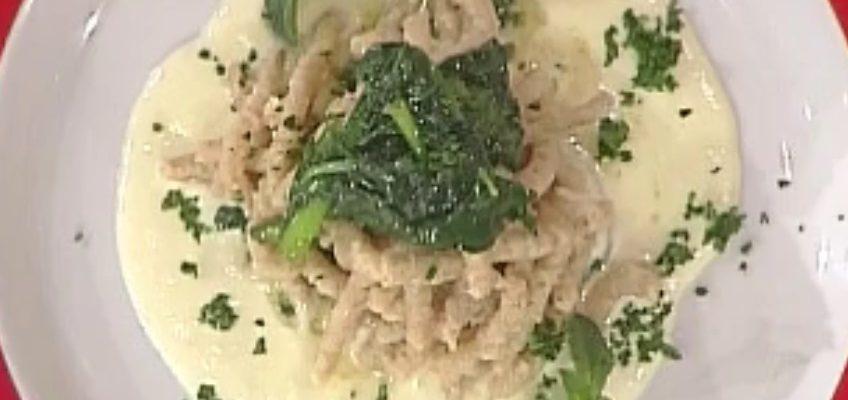 Passatelli con fonduta di mezzena e spinaci saltati: la video ricetta della Prova del Cuoco