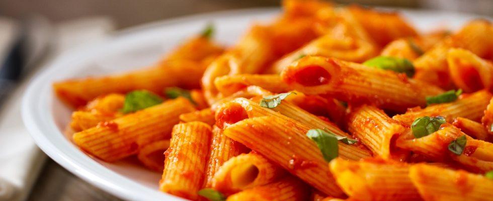 Pasta allo scarpariello, la ricetta tradizionale napoletana