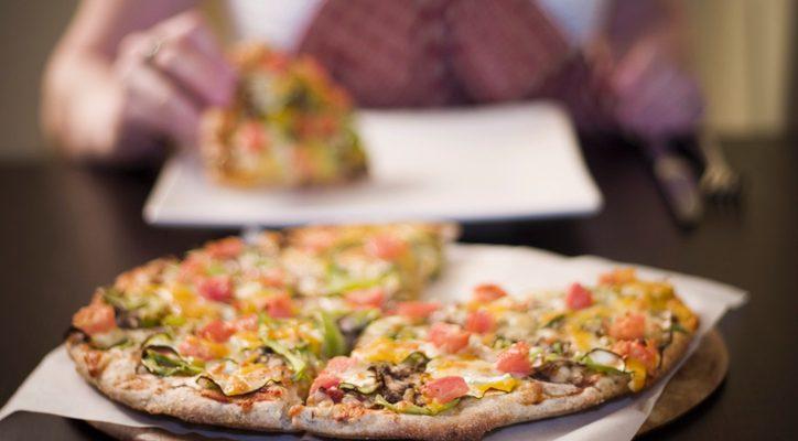 La ricetta della pizza con farina di farro