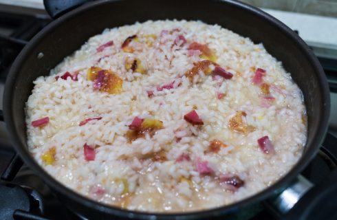 Il risotto con fichi e noci per un primo sfizioso