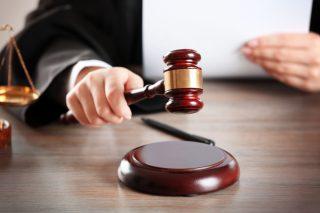 Le 6 cause giudiziarie più assurde nel mondo del cibo