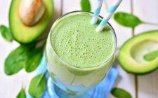 Lo smoothie di avocado con la ricetta veloce
