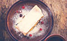 Lo strudel di ricotta e lamponi con la ricetta semplice