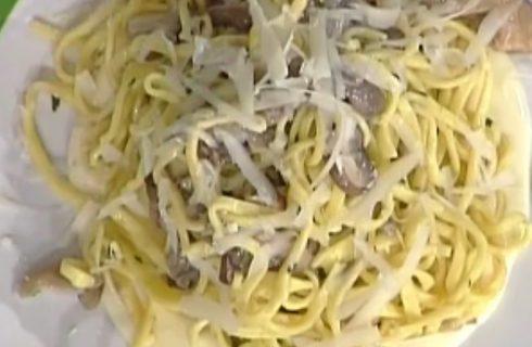 Tagliolini ai funghi e fonduta di formaggio di malga: la video ricetta della Prova del Cuoco