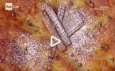 La torta dolce di pere e stracchino con la video ricetta della Prova del Cuoco