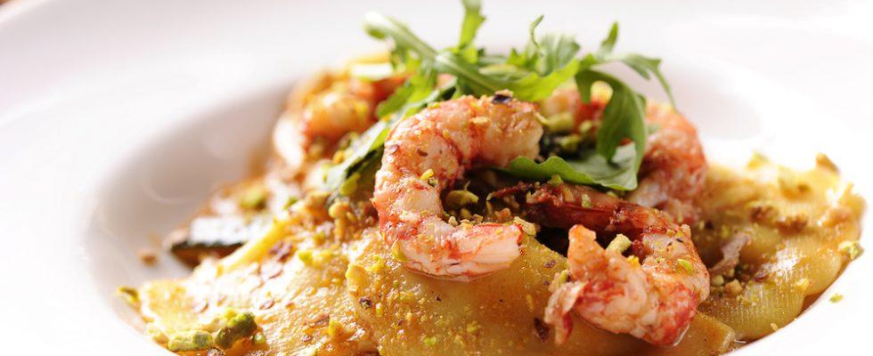 Ravioli con gamberi e pistacchi: menu delle feste