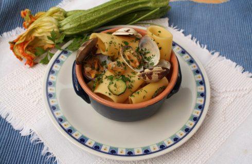 Pasta con vongole zucchine con bimby