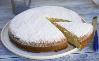 Rosata di mandorle, per una torta soffice e fragrante
