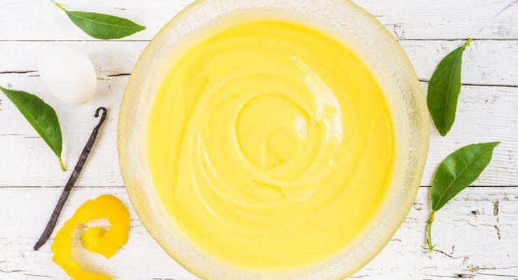 Come preparare la crema di yogurt greco al limone