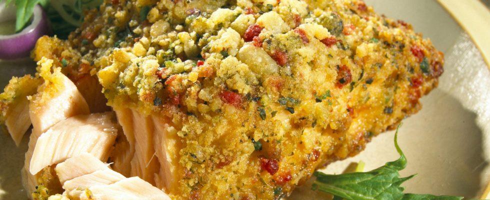 Il filetto di trota in crosta di nocciole, un secondo raffinato e semplice