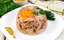 Gelatina di pollo: la ricetta di un classico della cucina italiana