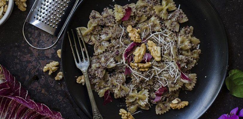 Il pesto di radicchio e noci con la ricetta semplice