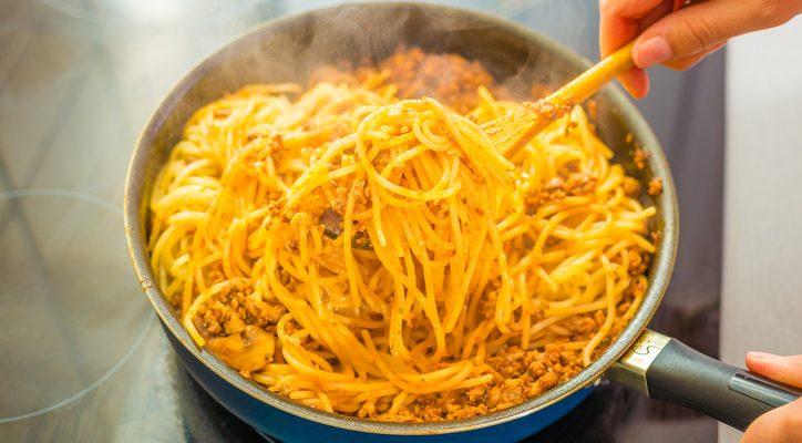 La ricetta originale del ragù in bianco senza pomodoro