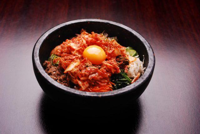 bibimbap con kimchi