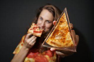 Una pizza è per sempre: le opere di Steph Mantis