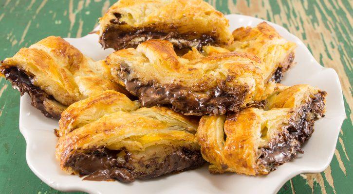 Lo strudel di castagne e cioccolato con la ricetta facile