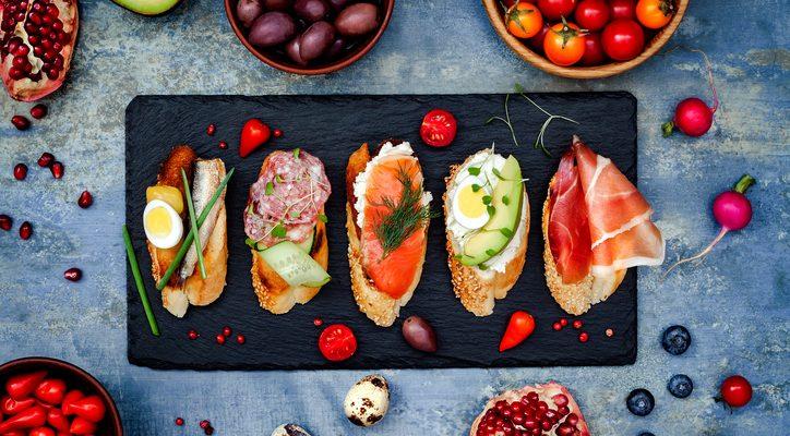Cosa sono i cicchetti veneziani e quali ricette proporre agli ospiti