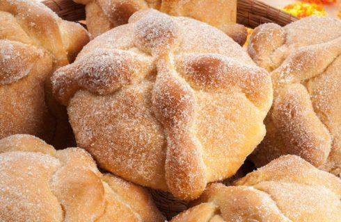 Come fare il pan de muerto della tradizione messicana