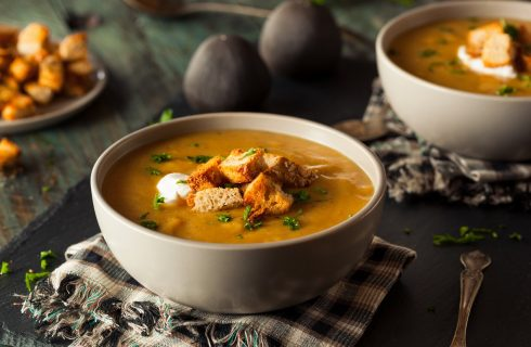 Vellutata di zucca e patate: la ricetta della zuppa invernale semplice