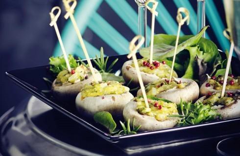 Funghi ripieni con formaggio e pepe rosa, cucina vegetariana con il bimby