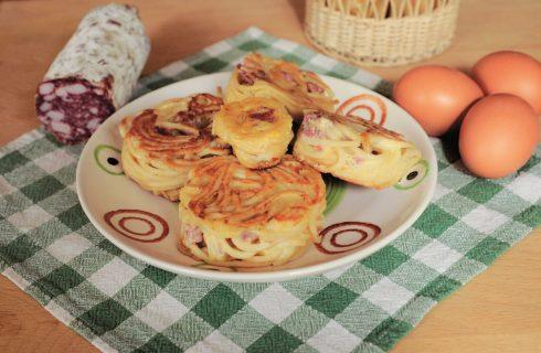 Bimby: ecco le frittatine con spaghetti e salame