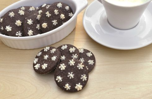 Biscotti al cacao con stelline di zucchero con il bimby