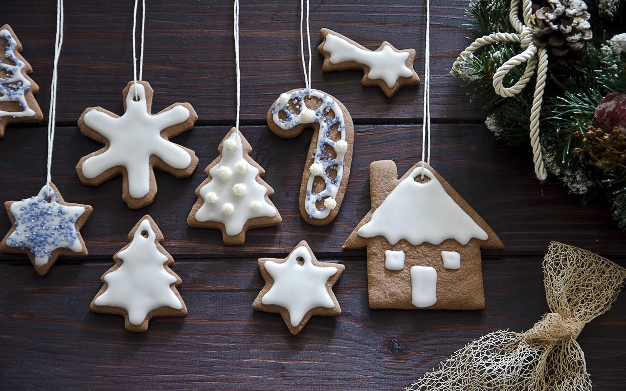 Albero Di Natale Decorato Con Biscotti.Ricetta Biscotti Da Appendere Agrodolce