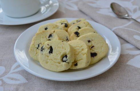 Biscottini di riso ai mirtilli fatti con il bimby
