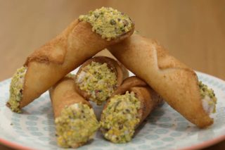 Cannoli di pancarrè, un finger food salato per l'aperitivo