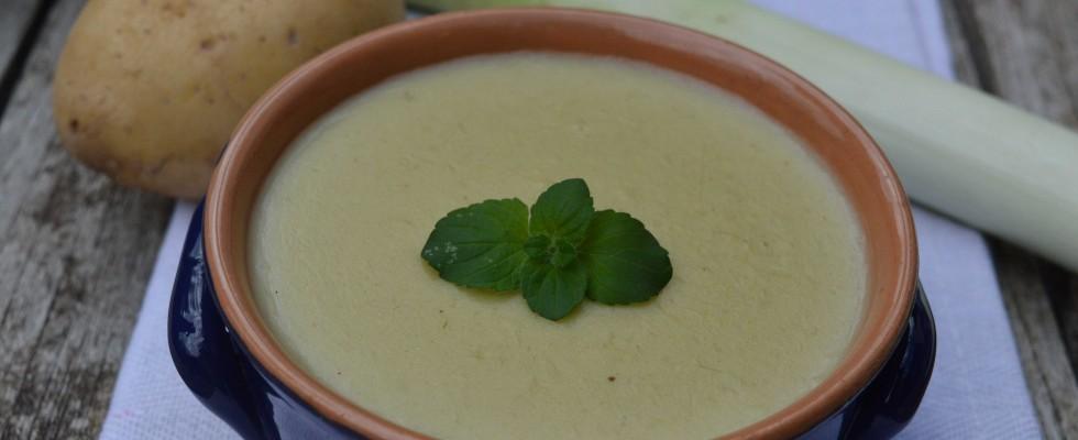 Crema di carciofi, porri e patate da preparare con il bimby