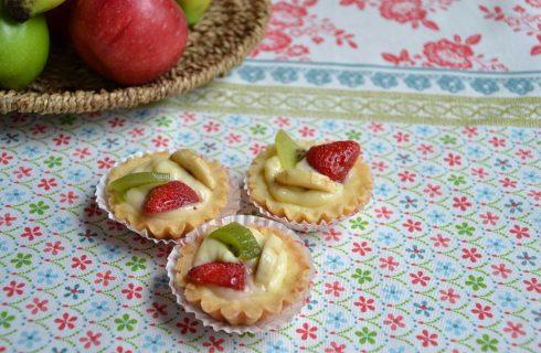 Crostatine con crema e frutta facili da fare con il bimby