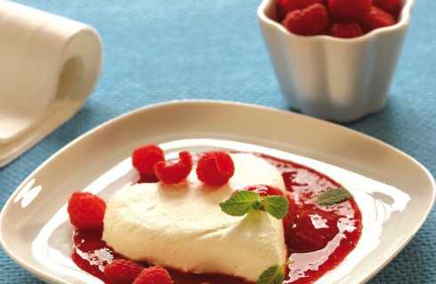 Cuori di ricotta con salsa di lamponi, provate a farla con il bimby