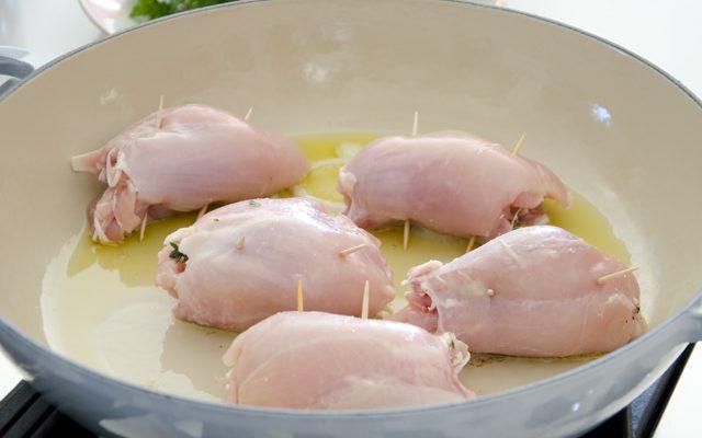 fusi-di-pollo-con-castagne-e-nocciole-3