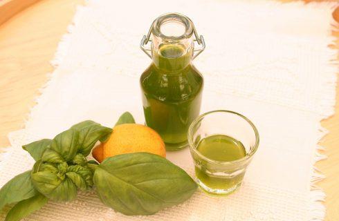 Liquore al basilico preparato con il bimby