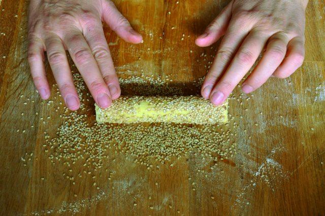 biscotti-al-sesamo-con-mousse-di-ceci-a950-3