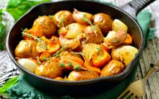 L'insalata di zucca e patate per un contorno ricco