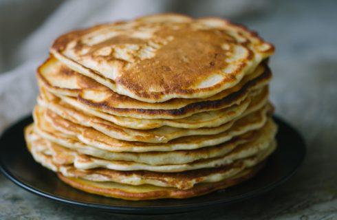 I pancake salati con farina di ceci: la ricetta veloce