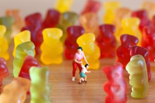 8 alimenti da non dare ai bambini (e con cosa sostituirli)