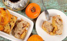 Torta di cachi e mandorle, la ricetta per la colazione