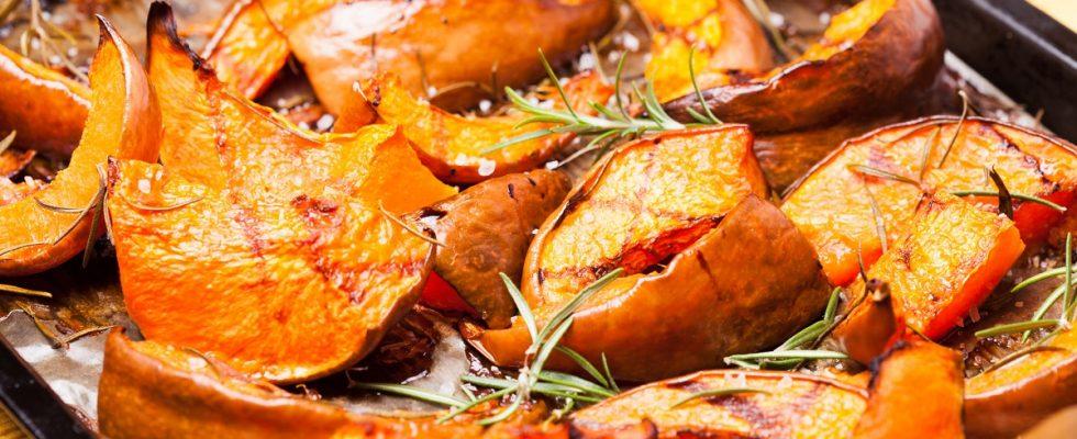 Zucca con cipolla e rosmarino, la ricetta facile da fare al forno