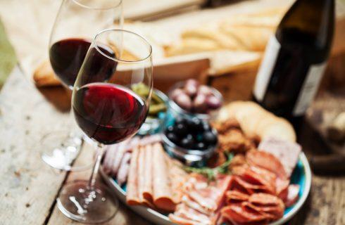 Cucinare con il vino: 10 ricette da provare