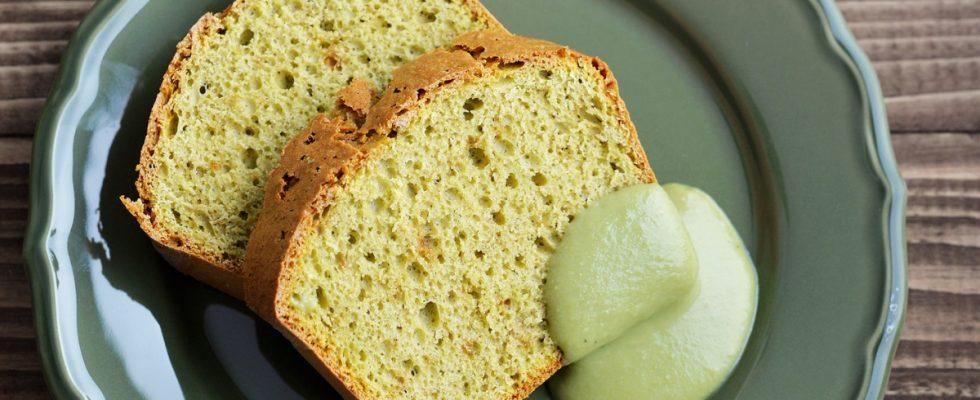 Plumcake al tè matcha e cioccolato bianco, la ricetta per la colazione