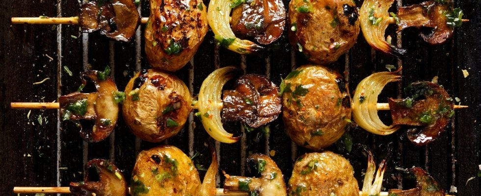 Spiedini di funghi e patate, la ricetta semplice e sfiziosa