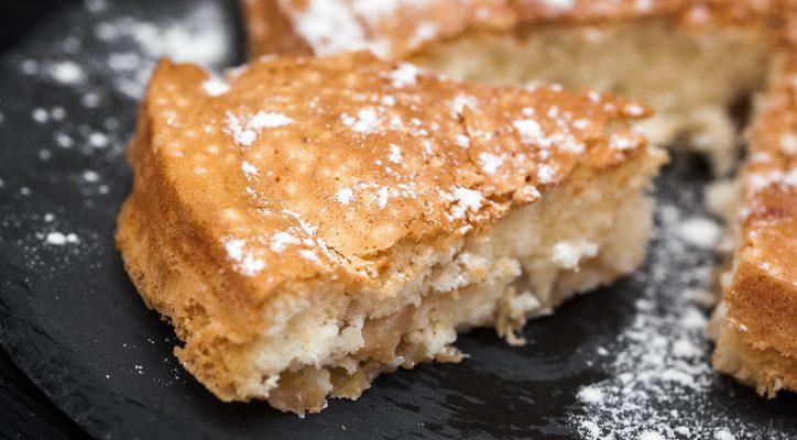 La ricetta della torta di mele soffice con olio