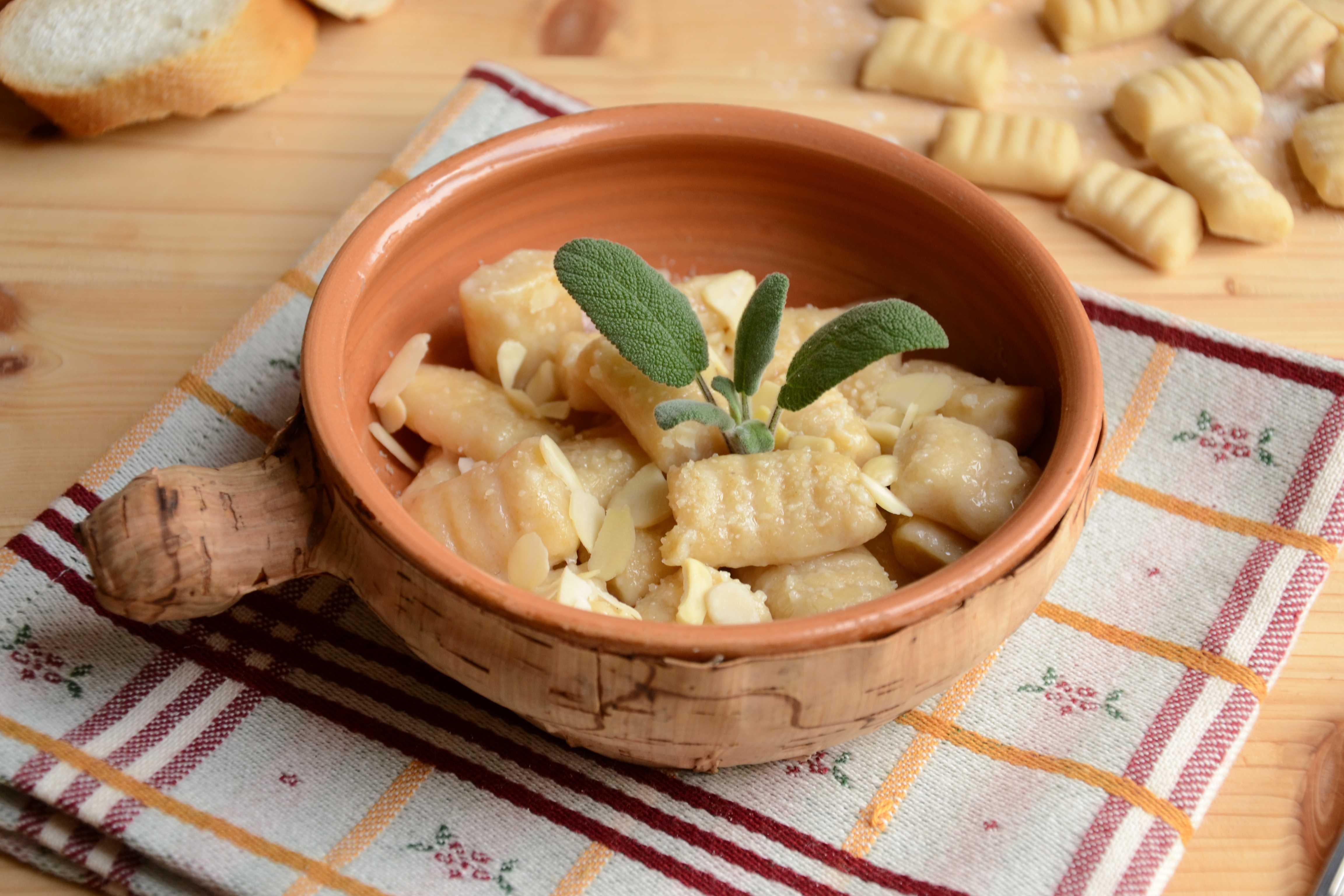Ricetta Gnocchi Di Pane Bimby.Ricette Gnocchi Di Pane In Bianco Al Bimby Agrodolce