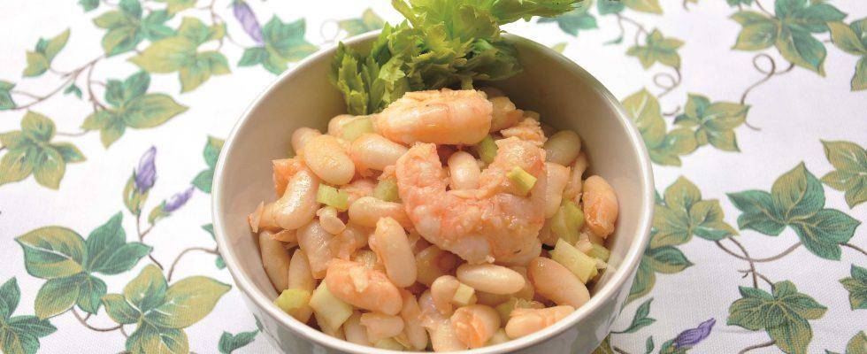 Pronta da mangiare: insalata di sedano, fagioli e gamberi al vapore, fatela con il bimby